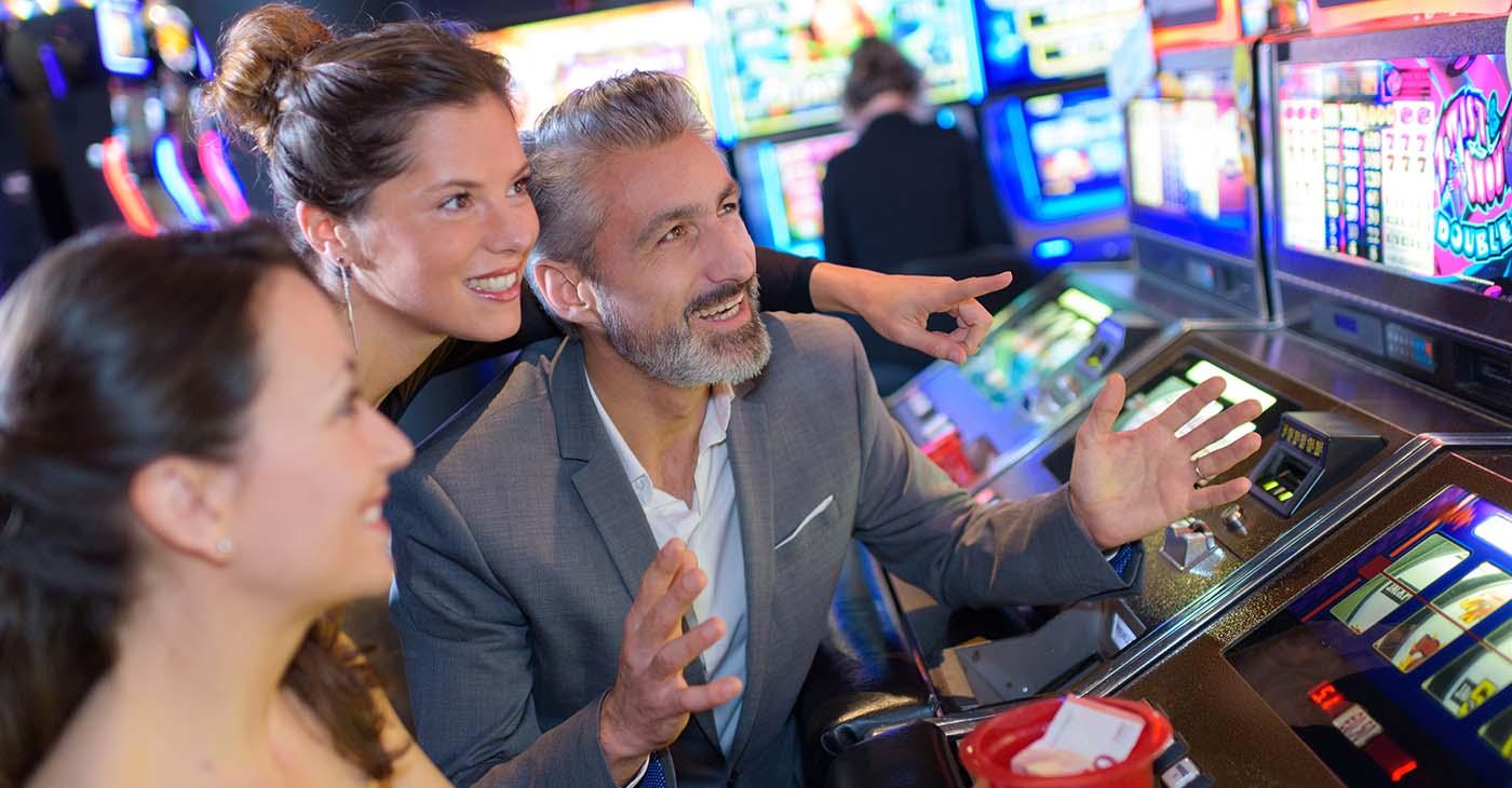Rahapelien maailma laajeneeInternet ja mobiilipelit